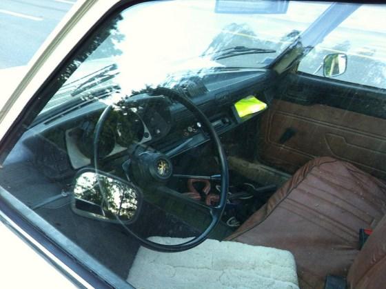 Peugeot 504 pickup int