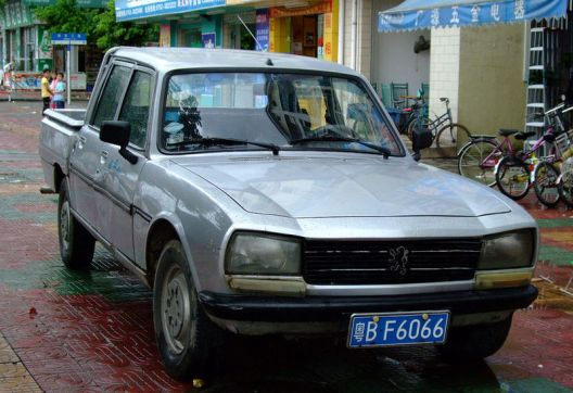 Peugot 504 China truck