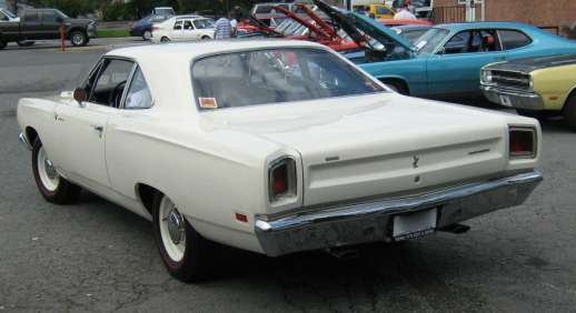 Plymouth Road_Runner_Hemi_va-r