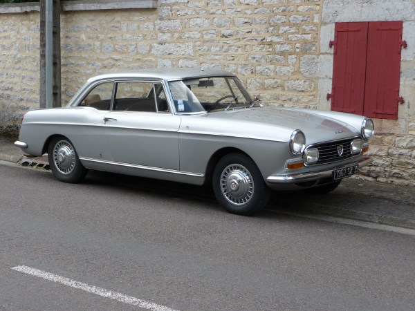 peugeot 404 coupe-silver 1200