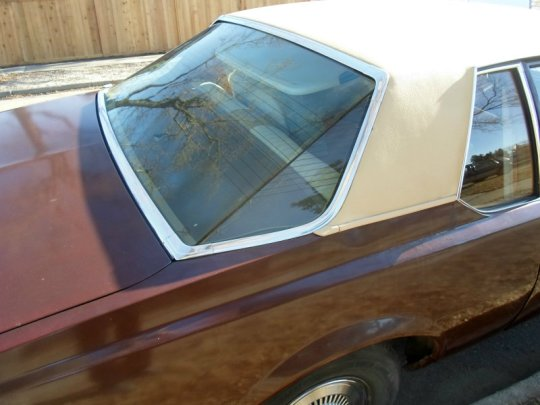 1977 Chevrolet Bel Air rear window