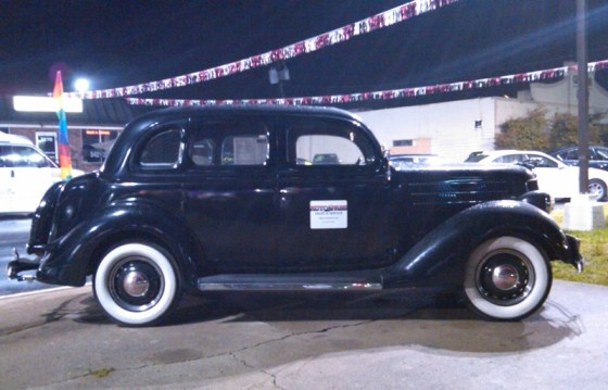 1936FordDeLuxe01