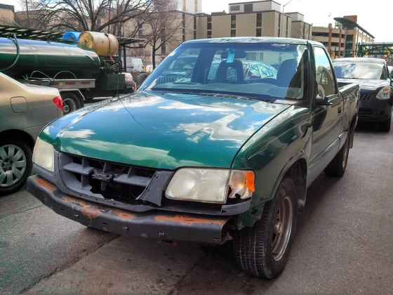 Curbside Classic: 1999 Isuzu Hombre – When is an S-10 Not an S-10?