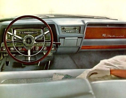Lincoln Continental 1962 dash-07
