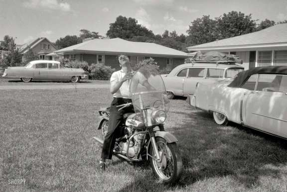 SHORPY _Elvis_Presley_1956_83