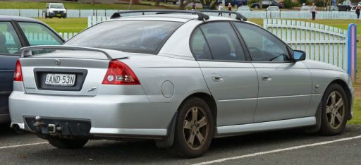 800px-2002-2003_Holden_VY_Commodore_S_sedan_01 (2)