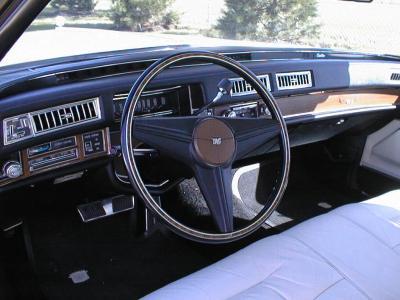 Cadillac 1975 dash