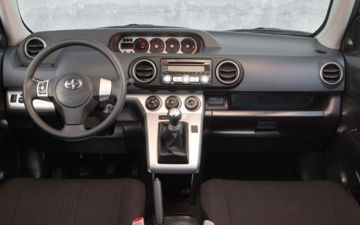 Scion Xb 2008 dash