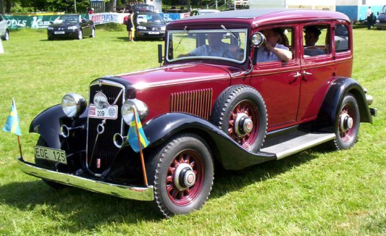 Volvo PV659_Sedan_1935_2