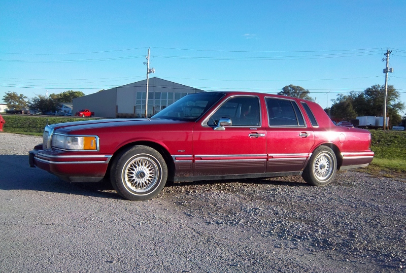 Curbside Classic 1994 Lincoln Town Car Best U S Luxury Car Of