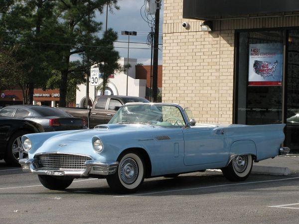 1957 Forde Thunderbird