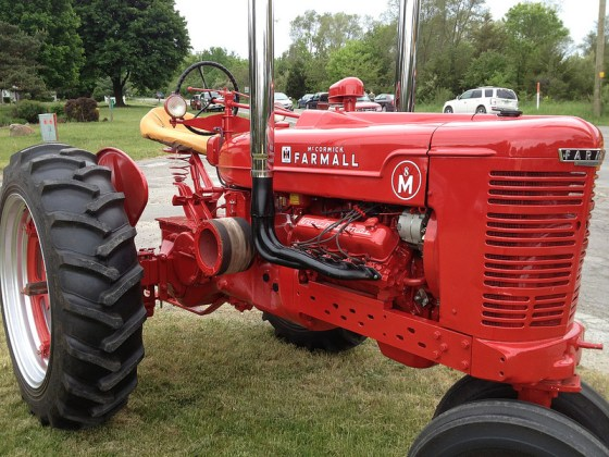 Farmall M V8 fq