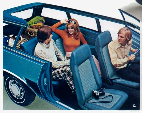 1975 Ford Wagons-08-09 - Crop