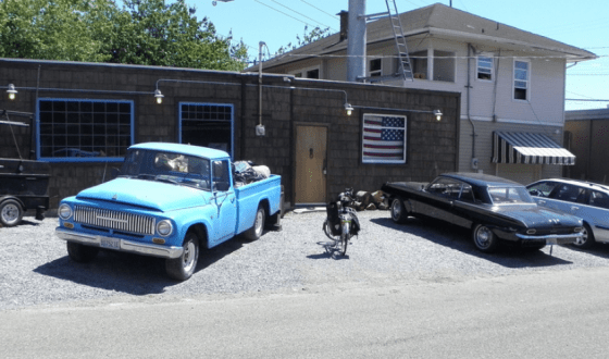 Pontiac tempest 1962 and IH pickup
