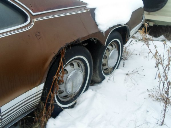 Oldsmobile Toronado Custom rear wheels