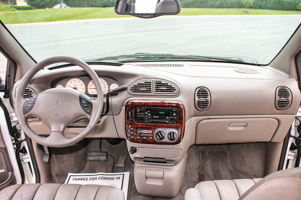 Curbside classic 1999 oldsmobile silhouette not the - 2001 chrysler town and country interior ...