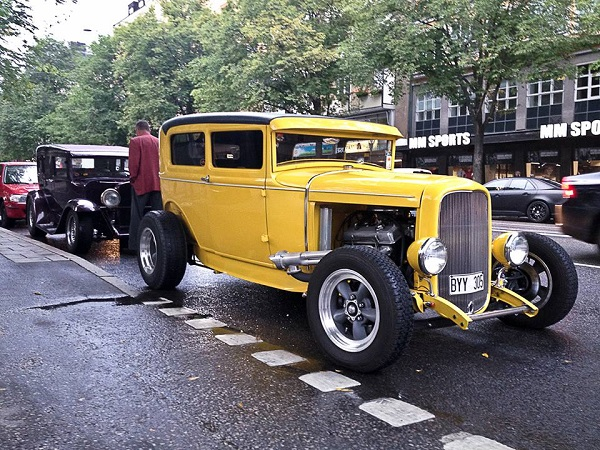 4 Ford Roadster 32