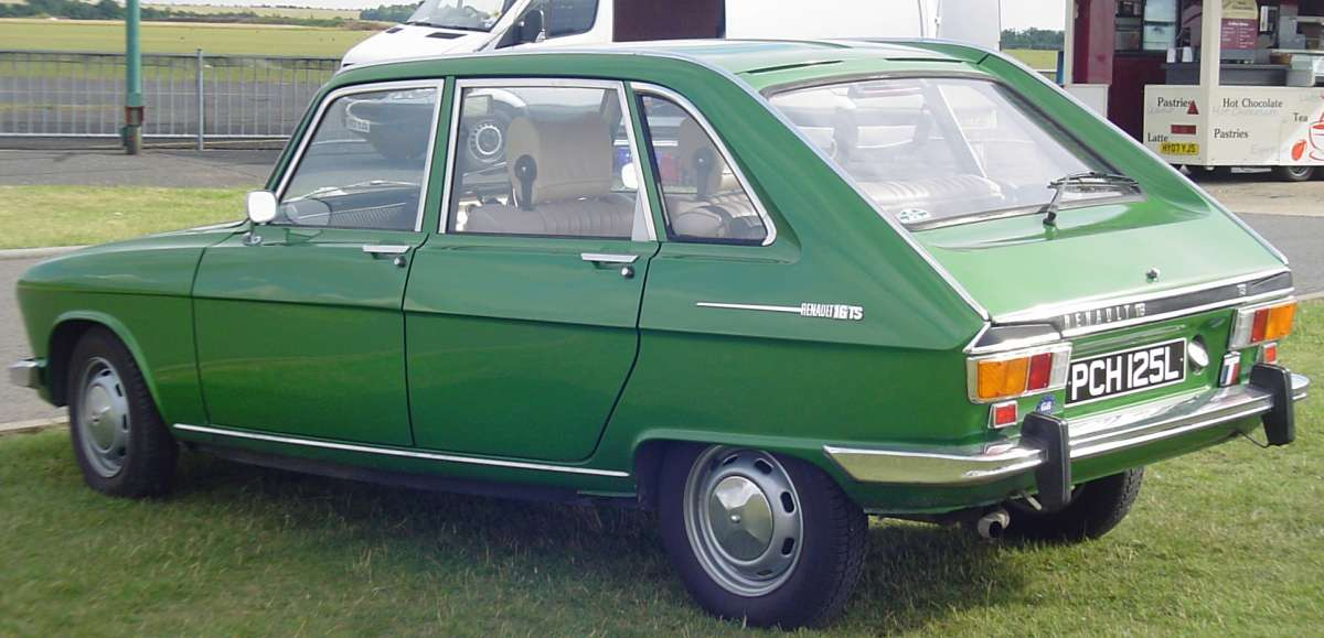 Car Show Classic 1973 Renault 16 And Asymmetric Suspension