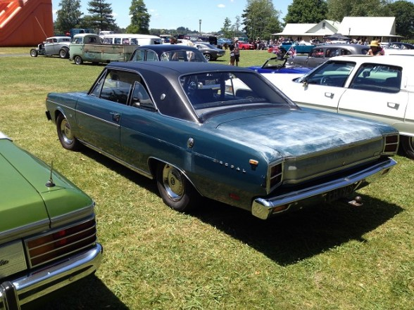 11. 1970 Chrysler Valiant coupe