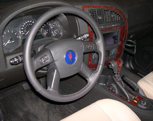 754px-2006_Saab_9-7X_interior