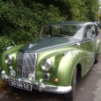 (first posted 12/16/2013) I know what you're thinking: not again, not ANOTHER Armstrong Siddeley Star Sapphire. Bear with me. I like the two tone green and can't help myself.