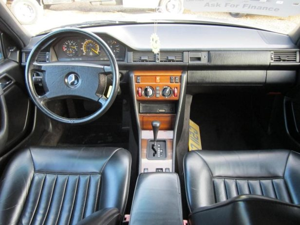 Mercedes W124 int LHD