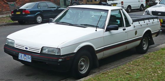 800px-1988-1990_Ford_XF_Falcon_utility_01