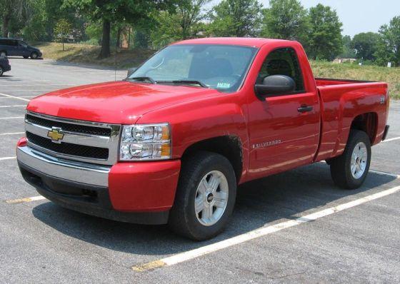 800px-2007-Chevrolet-Silverado-regcab