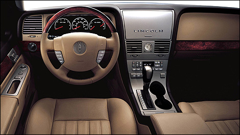 2005-Lincoln-Aviator-i001