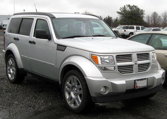 800px-Dodge_Nitro_--_02-29-2012