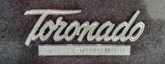 1966OldsToronado09a