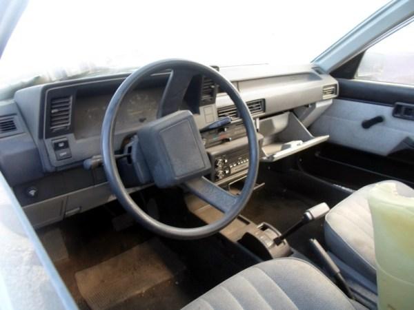 1987 Chevrolet Nova (2)
