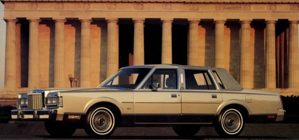 1987 Lincoln Town Car-05