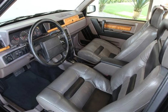1987-1991-Volvo-780-front-interior