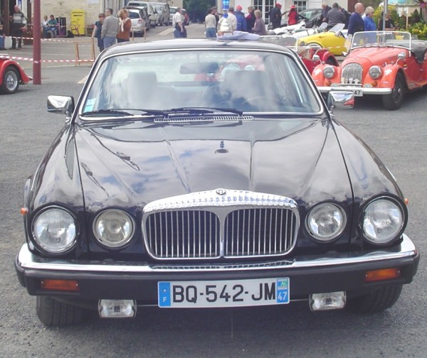 Daimler Double Six_2