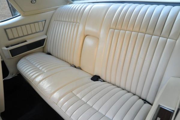 1972LincCoupe067 (800x533)