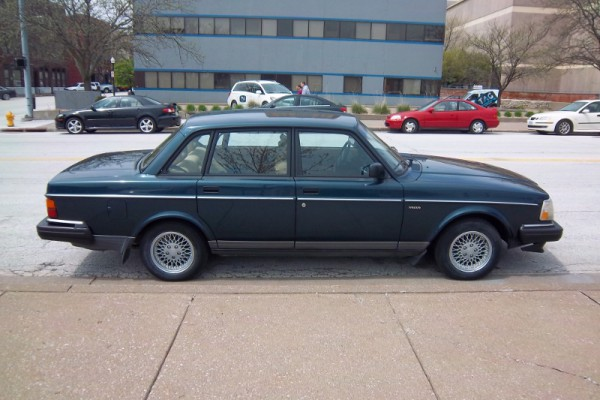 Curbside Classic 1993 Volvo 240 Sedan Will The Last 240 Turn Out
