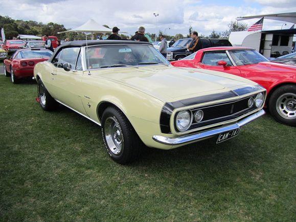 800px-Chevrolet_Camaro_Convertible_1967