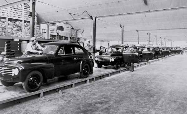volvo pv444 assembly-line-photo-353311-s-1280x782