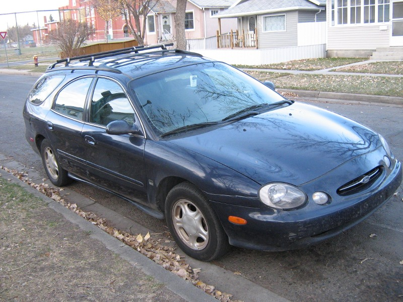 cars of a lifetime 1998 ford taurus a family affair. Black Bedroom Furniture Sets. Home Design Ideas
