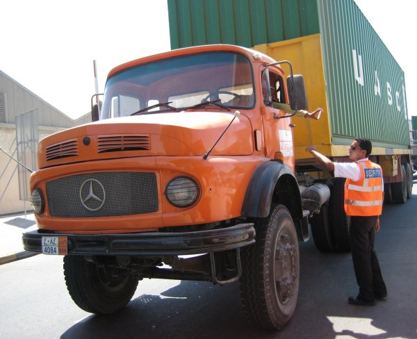 1200 Mercedes-Benz-L-series-4x2