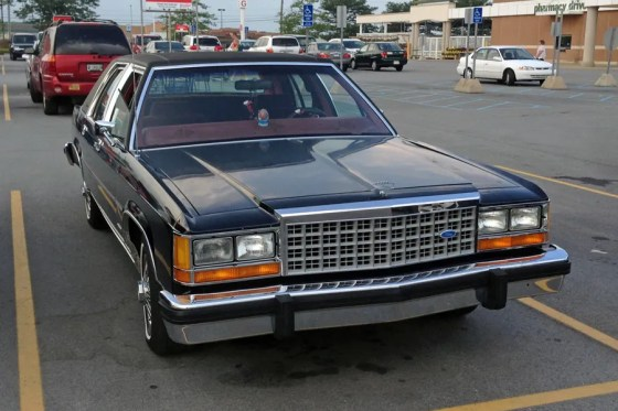 1987 Ford LTD Crown Victoria d