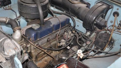 gaz-21_engine_bay