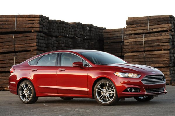 01-2013-ford-fusion