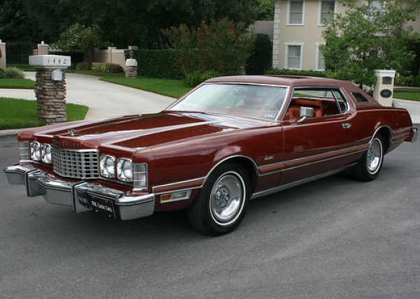 1975 Ford thunderbird front 34