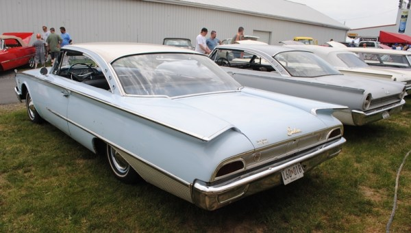 Ford 1960 Starliner