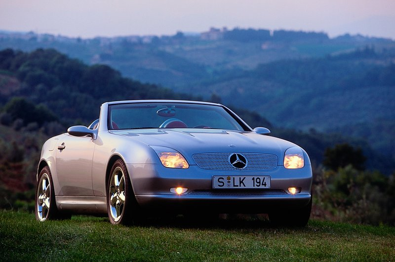future curbside classic 1997 2004 mercedes slk 200 230 320amg r170. Black Bedroom Furniture Sets. Home Design Ideas