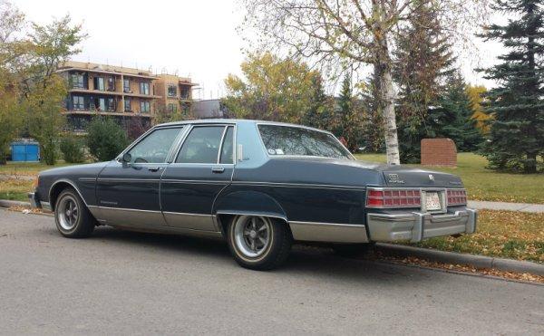 Pontiac Parisienne rear