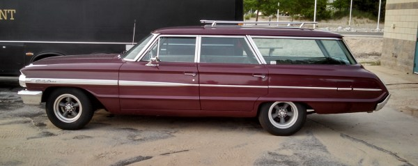 1964FordCountrySedan02
