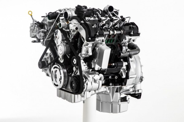 2014-ram-1500-ecodiesel-engine-on-stand